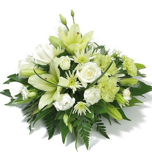 Seasonal Posy White