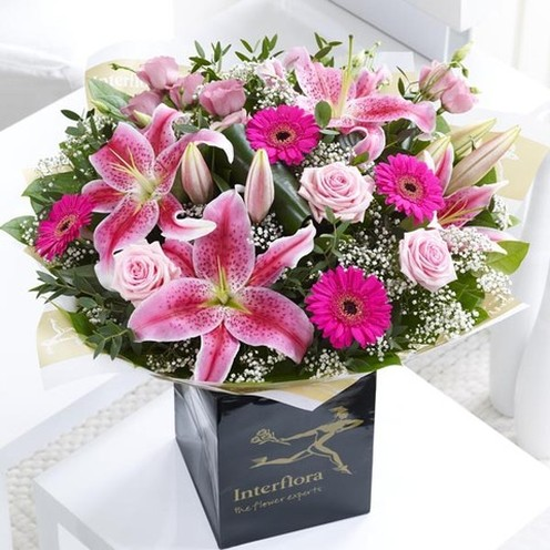 Deluxe Pink Radiance Hand-tied
