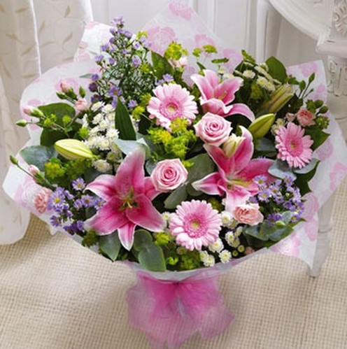 Deluxe Mothers Day Hand-tied
