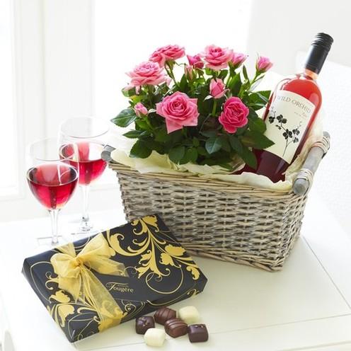 Rose Wine Gift Basket Urban Design Flowers Online