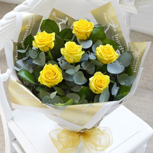 6 Yellow Rose Hand-tied