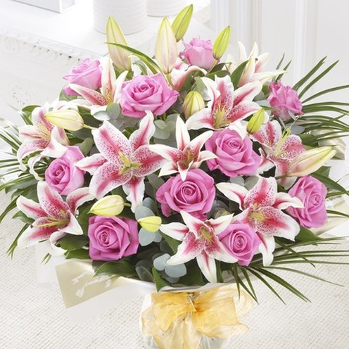 Superior Rose & Lily Hand-tied Pink